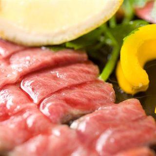 ガッツリ肉でスタミナ!【名物】みすじの鉄板ステーキ!