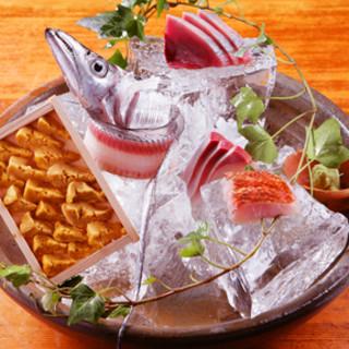 純粋に魚の新鮮味を堪能できるお店。コース料理5400円より