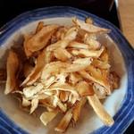 手打蕎麦のたぐと - ごぼうチップ