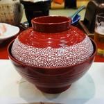 むさし - 蓋物:梅紫蘇麺。