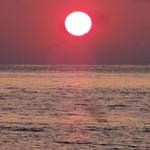 むさし - ホテル から 徒歩で直ぐ(約 2分)の処に在る 白良浜 での 夕焼け は心に残る風景でした。