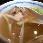 一隆 - タン焼き定食のテールスープ