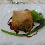フランス食堂 シェ・モア - カダイフ包み焼き赤ワインソース