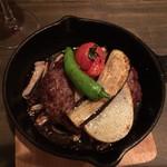 肉洋食オオタケ - あらびきハンバーグ
