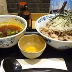凛や - 今回はつくば美豚ピリ辛ラー油肉そばつけ麺980円を注文!