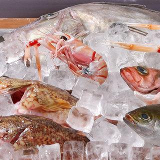 新鮮な魚介を、直接選んで注文する「オーダー式」