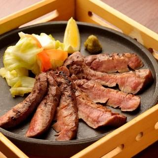 仙台・宮城の名物料理を寛ぎの空間でご堪能下さい。