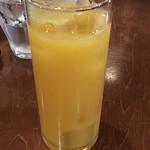 Pizzeria D.F Azzurro - ランチドリンクは、オレンジジュースをチョイス
