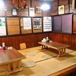 小麦 - 小上がりのテーブル席