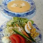 白い幻想 - たっぷりサラダとスープ