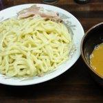 自家製麺 囲 - つけ麺大盛の赤(ごまスープ)