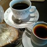 レストラン マルシェ - 食後のコーヒーとプリン       食べきれないバケットをセルフテイクアウト(笑)