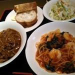 レストラン マルシェ - ランチセットA&S       (海老のトマトスパゲティーとハヤシライス)