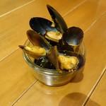 Cafe Diner Marshmallow - ムール貝のクラフトビール蒸し