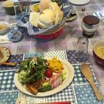 ログハウスペンション 白い雲・青い空 - 料理写真:朝食