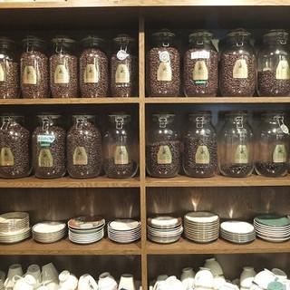 4段階に煎り分けたコーヒー豆