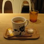メロウ ブラウン コーヒー - ロングブラック(HOT)