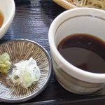 玄蕎麦河童 - 汁と薬味