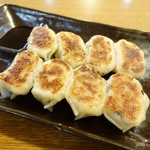 中国料理味神館 - 2016年9月 焼き餃子【380円+税】