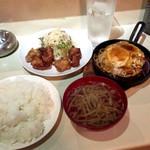 ジンロック - ハンバーグ250gと鶏唐揚げ定食(¥1,200) ごはん大盛(+¥100) デフォのハンバーグは150gで定食は¥900 ハンバーグは50g増量するごとに+¥150