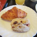 万咲 - 朝食バイキング。パン
