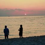 むさし - もうじき水平線に陽が沈みます。