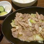 アットマルカフェ - 豚バラとキャベツの味噌炒め定食 税込850円