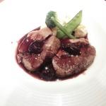 58568927 - アメリカ産牛バラ肉のコンフィ、ビネガーのソース