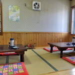 ひさご食堂 - 小上がり座卓席(2016年11月)