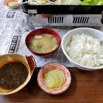 ひさご食堂 - 「ジンギスカン(生ラム)定食」のご飯 & 味噌汁 & 漬物 & タレ(2016年11月)