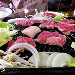 ひさご食堂 - ジンギスカン(焼肉中)(2016年11月)