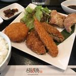 極鶏.Bar - ミックスフライ定食  900円