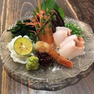沖縄、築地から毎日鮮魚仕入れてます!