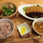 フォレットキッチン - 料理写真:ロースとんかつと蒸し鶏和風サラダ定食