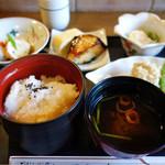 松粂 - 昼ミニ会席 八品 ¥1,000(税別)]