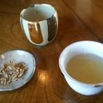 蕎麦屋 きみなみ - 蕎麦茶、蕎麦かりんとう