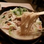 有薫酒蔵 - スパ下ティーのよううな食感の麺