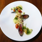 58584190 - 近海鯖の〆ものとモン・サンミッシェル産ムール貝の共演 小麦のサラダを添えて