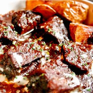 九州産黒毛和牛の赤ワイン煮込み