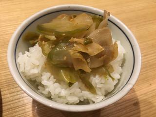 希須林 担々麺屋 赤坂店 - ご飯+ザーサイ