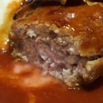 58596594 - 牛・鴨・豚挽肉のハンバーグ