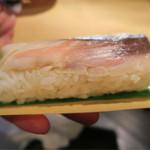 丸田屋 - 相方は2個めのお寿司