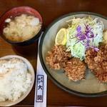 とんかつ大関 - かきヒレ定食