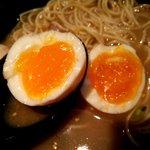 Hakataissou - 半熟の味玉もお勧め