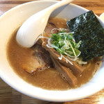 Mensakabamagari - 鶏豚魚介らーめん