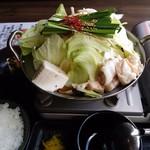 博多もつ鍋 いっぱち - もつ鍋定食 1000円 (16年11月)