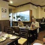 松榮亭 - 店内、よき洋食屋さん