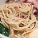 真鯛らーめん 麺魚 - 2016.11 北海道産小麦の全粒粉を使った中太麺