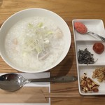 FIVE C - 料理写真:薬膳粥 鶏と里芋 750円