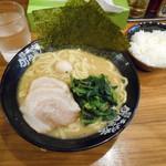 横浜家系ラーメン 町田商店 - ラーメン(並)
